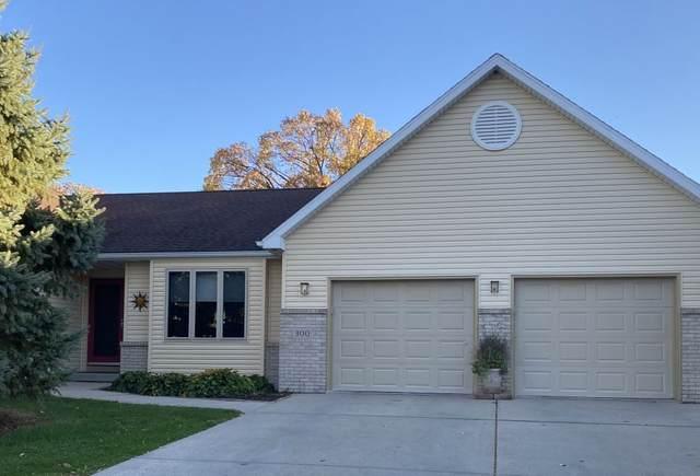 300 W Oak St, Cottage Grove, WI 53527 (#1896277) :: HomeTeam4u