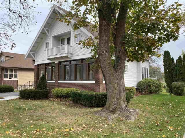 565 Park Ave, Columbus, WI 53925 (#1896308) :: Nicole Charles & Associates, Inc.
