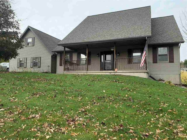 1520 W Golf Dr, Platteville, WI 53818 (#1896451) :: Nicole Charles & Associates, Inc.