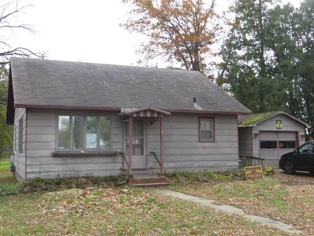 420 S Charles St, Westfield, WI 53964 (#1896604) :: HomeTeam4u