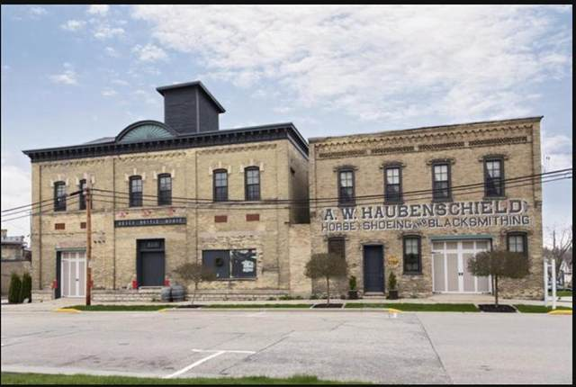 123 N Center Ave, Jefferson, WI 53549 (#1898628) :: Nicole Charles & Associates, Inc.