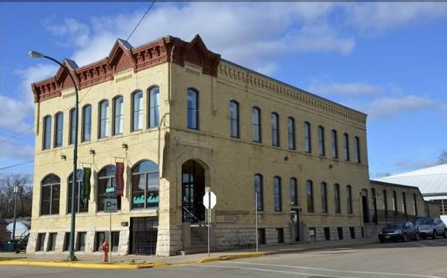 103 Church St, Lake Mills, WI 53551 (#1899278) :: HomeTeam4u