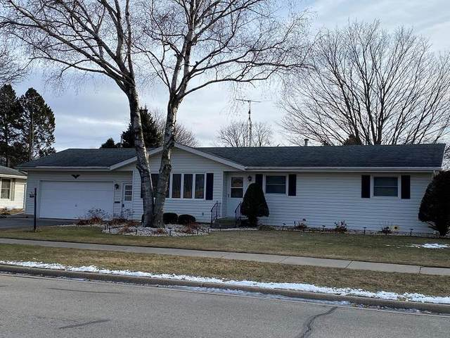 39 Sunset Ave, Ripon, WI 54971 (#1899722) :: Nicole Charles & Associates, Inc.