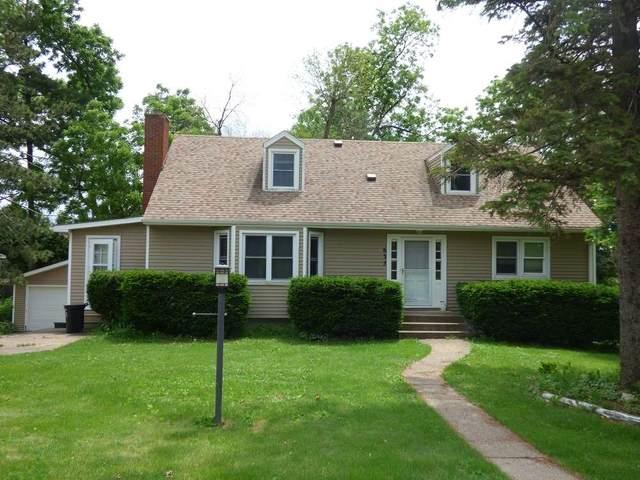 635 S Hickory St, Platteville, WI 53818 (#1899749) :: Nicole Charles & Associates, Inc.