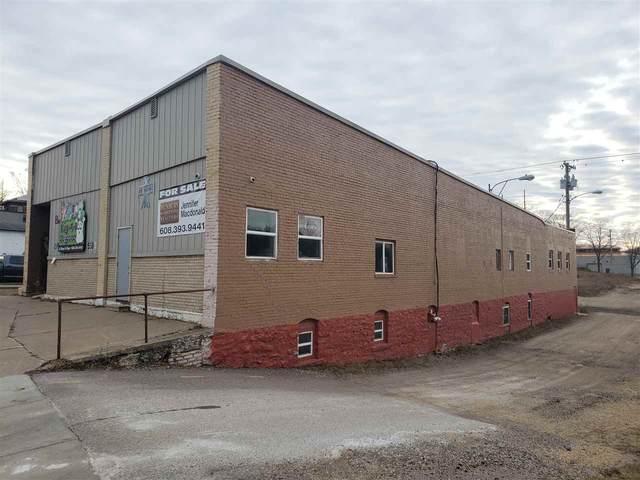 106 Walnut St, Baraboo, WI 53913 (#1899857) :: Nicole Charles & Associates, Inc.