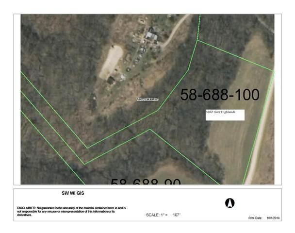 5280 River Highlands Ln, Waterloo, WI 53806 (#1900317) :: Nicole Charles & Associates, Inc.