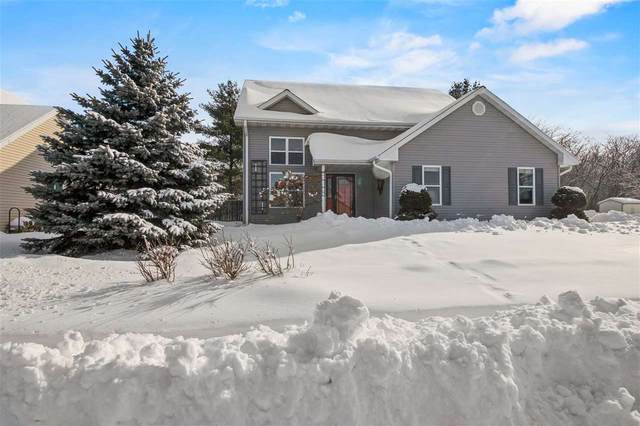 105 Mark Dr, Johnson Creek, WI 53038 (#1901917) :: HomeTeam4u