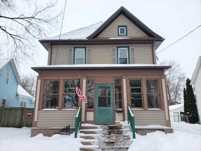 1024 Hackett St, Beloit, WI 53511 (#1902054) :: HomeTeam4u