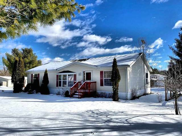 2860 3rd Ave, New Chester, WI 53952 (#1902166) :: Nicole Charles & Associates, Inc.