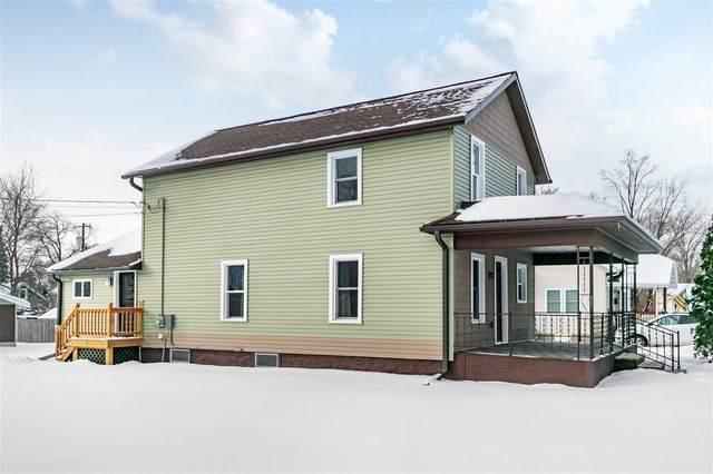 813 Vine St, Wisconsin Dells, WI 53965 (#1902244) :: HomeTeam4u
