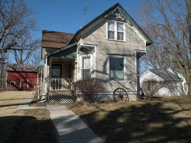 446 Lawrence St, Westfield, WI 53964 (#1902411) :: HomeTeam4u