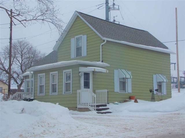 355 Chestnut St, Belmont, WI 53510 (#1902561) :: HomeTeam4u