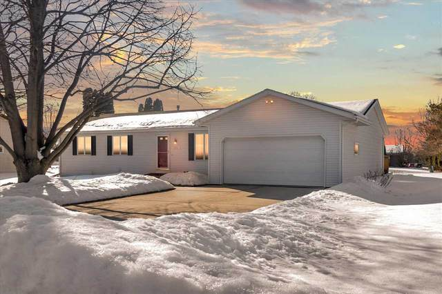 2201 Browning Dr, Janesville, WI 53546 (#1902875) :: Nicole Charles & Associates, Inc.