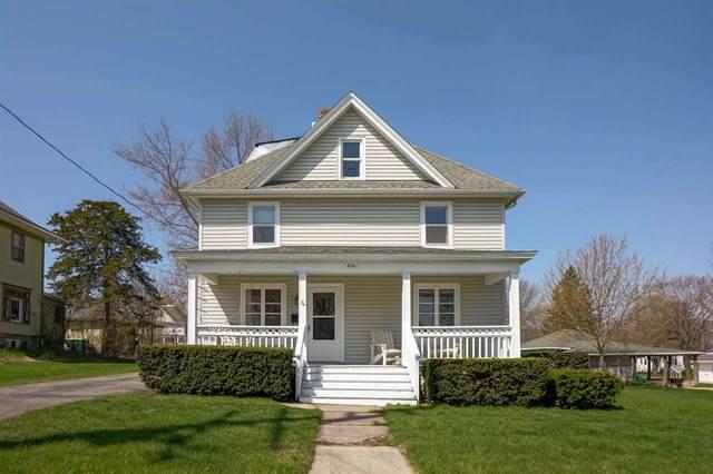 206 S 8th St, Mount Horeb, WI 53572 (#1902920) :: Nicole Charles & Associates, Inc.