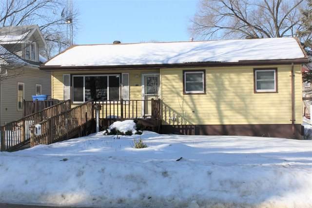 1115 Vine St, Wisconsin Dells, WI 53965 (#1902999) :: HomeTeam4u