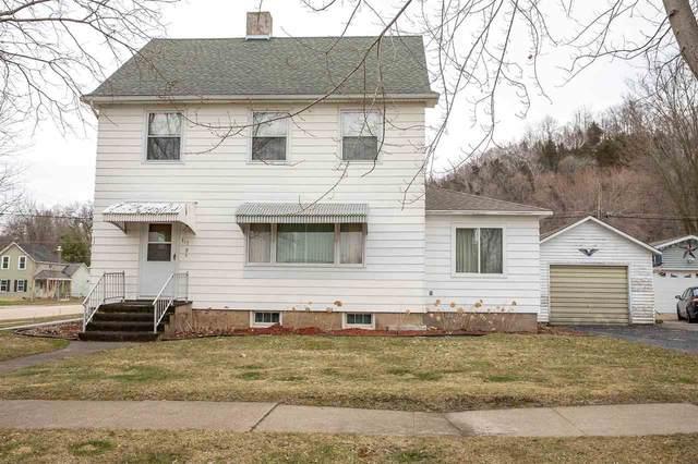 317 Dewey St, Cassville, WI 53806 (#1904624) :: HomeTeam4u