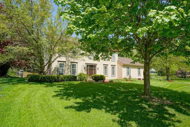 5870 Ridge View Ct, Fitchburg, WI 53711 (#1904633) :: Nicole Charles & Associates, Inc.
