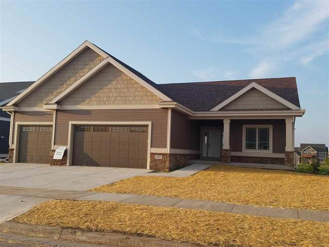 825 Steven View, Waunakee, WI 53597 (#1905241) :: RE/MAX Shine