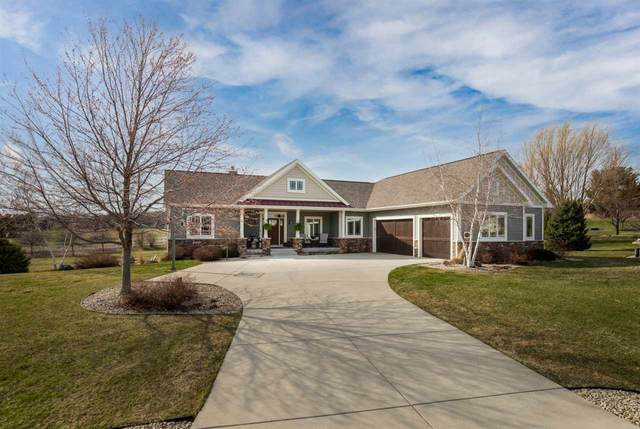 3168 Castleton Crossing, Bristol, WI 53590 (#1905679) :: HomeTeam4u