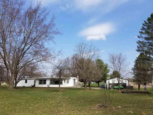 660 Schaefer Rd, Montrose, WI 53508 (#1905819) :: HomeTeam4u