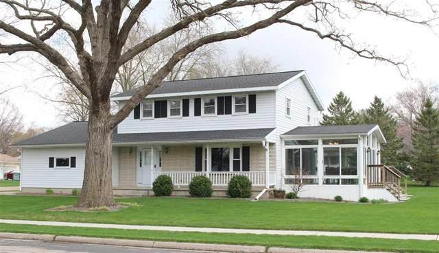 2015 Michigan Ave, Sun Prairie, WI 53590 (#1905821) :: Nicole Charles & Associates, Inc.