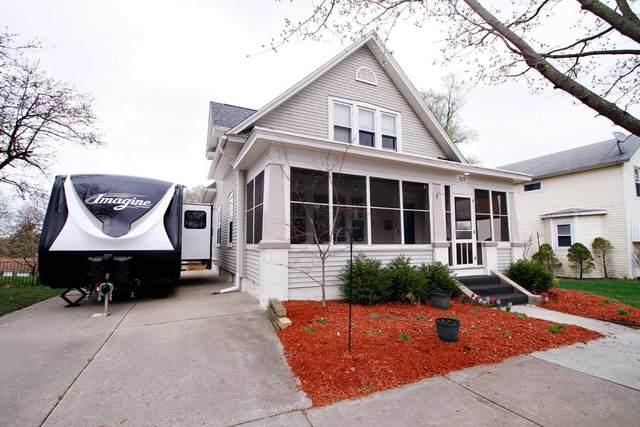 623 Prospect Ave, Portage, WI 53901 (#1906123) :: HomeTeam4u