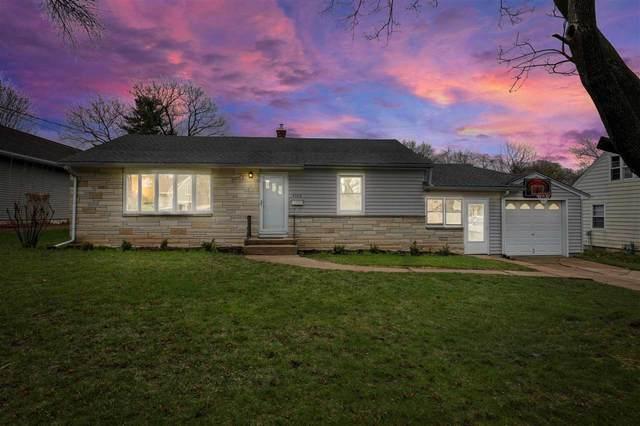 4708 Shore Acres Rd, Monona, WI 53716 (#1906136) :: Nicole Charles & Associates, Inc.