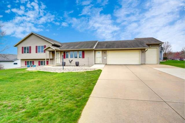 678 N Woods Edge Dr, Oregon, WI 53575 (#1906438) :: Nicole Charles & Associates, Inc.