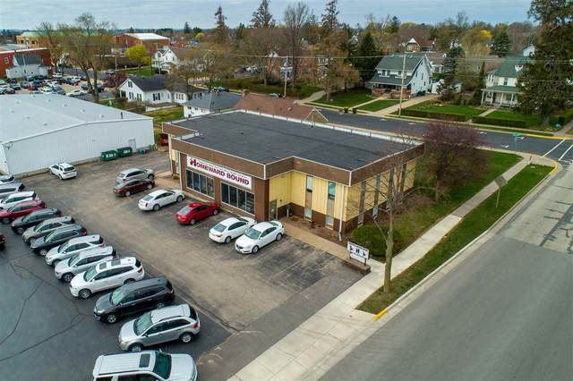 130 W Elm St, Lancaster, WI 53813 (#1906490) :: Nicole Charles & Associates, Inc.