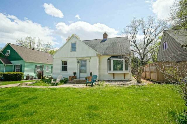 3733 Hillcrest Dr, Madison, WI 53705 (#1907498) :: Nicole Charles & Associates, Inc.