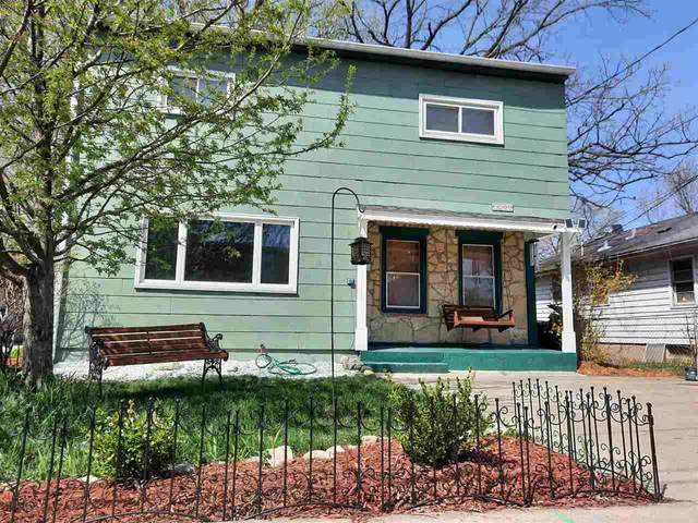 524 N Fair Oaks Ave, Blooming Grove, WI 53714 (#1907545) :: Nicole Charles & Associates, Inc.