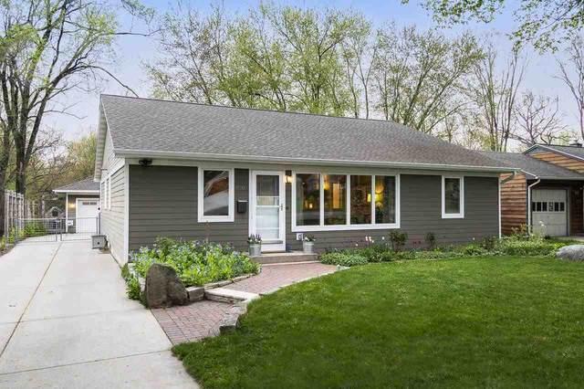 4605 Shore Acres Rd, Monona, WI 53716 (#1907580) :: Nicole Charles & Associates, Inc.