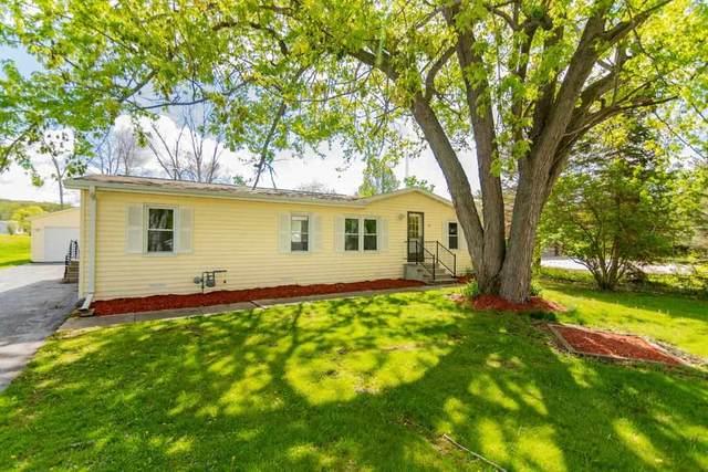 10320 E Ellendale Rd, Fulton, WI 53534 (#1908470) :: HomeTeam4u