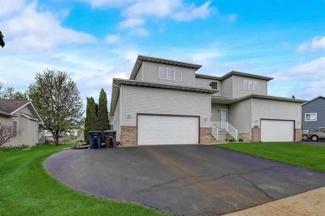 952 Reed St, Lake Mills, WI 53551 (#1908554) :: HomeTeam4u