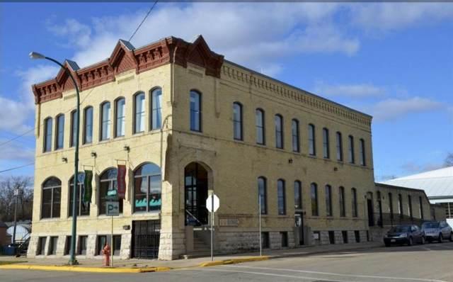 103 Church St, Lake Mills, WI 53551 (#1908643) :: HomeTeam4u