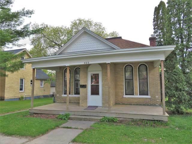 420 W Cook St, Portage, WI 53901 (#1909100) :: Nicole Charles & Associates, Inc.