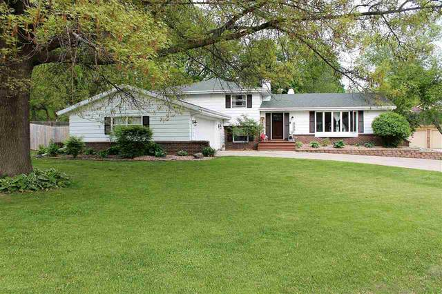 848 N Marion Ave, Janesville, WI 53548 (#1909379) :: Nicole Charles & Associates, Inc.