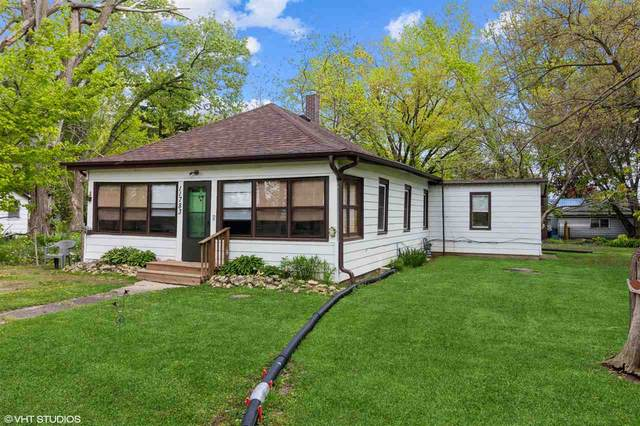 11783 Genessee St, Rockton, IL 61072 (#1909388) :: Nicole Charles & Associates, Inc.