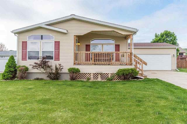 451 Red Spruce Ave, Baraboo, WI 53913 (#1909624) :: Nicole Charles & Associates, Inc.