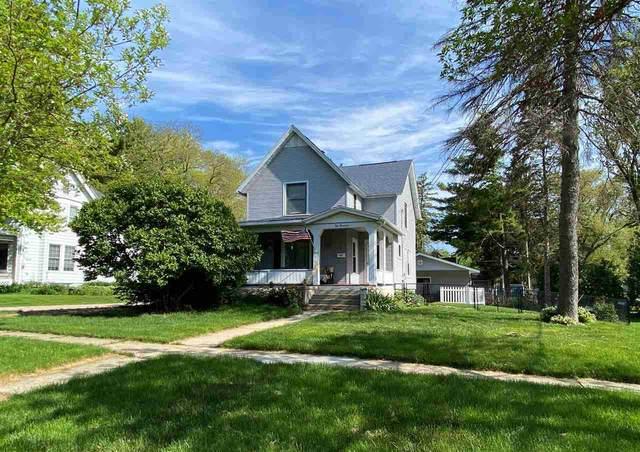 117 Milton St, Lake Mills, WI 53551 (#1909738) :: HomeTeam4u