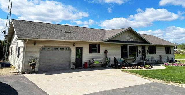 N2001 Hilltop Rd, Manchester, WI 53946 (#1909879) :: Nicole Charles & Associates, Inc.
