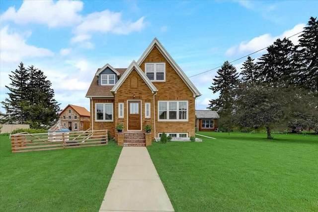 1145 N Bird St, Sun Prairie, WI 53590 (#1910032) :: HomeTeam4u