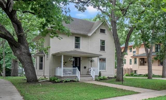 617 Harrison Ave, Beloit, WI 53511 (#1910362) :: Nicole Charles & Associates, Inc.