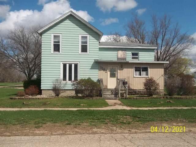 1102 E 5th Ave, Brodhead, WI 53520 (#1910388) :: HomeTeam4u