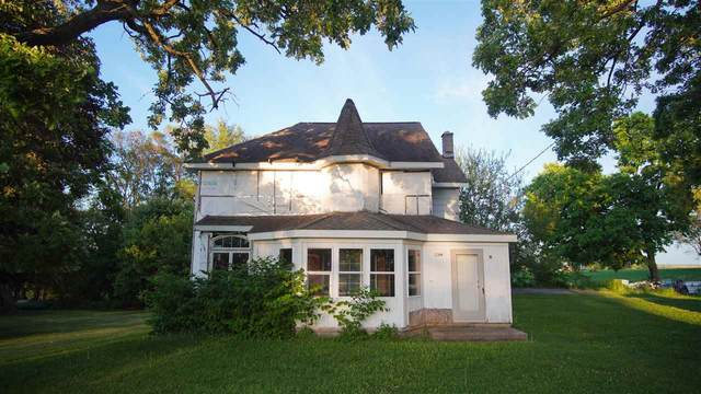 1104 Hwy 78, Perry, WI 53572 (#1910517) :: Nicole Charles & Associates, Inc.
