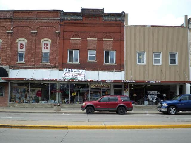 1006 Superior Ave, Tomah, WI 54660 (#1910921) :: Nicole Charles & Associates, Inc.