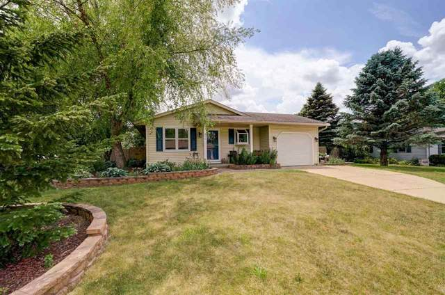 420 Parkway Ave, Belleville, WI 53508 (#1910982) :: Nicole Charles & Associates, Inc.