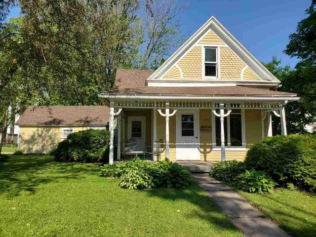 260 N Elm St, Platteville, WI 53818 (#1911146) :: HomeTeam4u