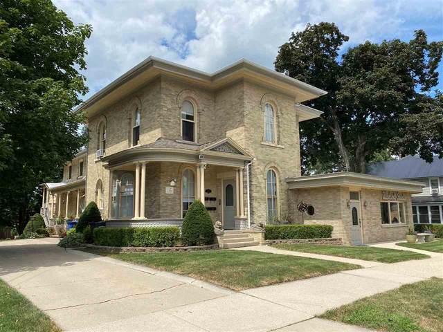 229 N Ludington St, Columbus, WI 53925 (#1911188) :: HomeTeam4u