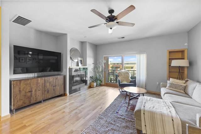 555 S Midvale Blvd, Madison, WI 53711 (#1911260) :: Nicole Charles & Associates, Inc.